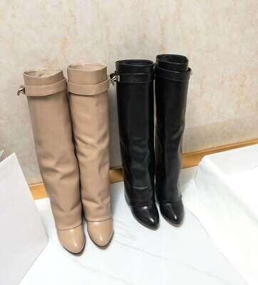 Ladies fashion items
