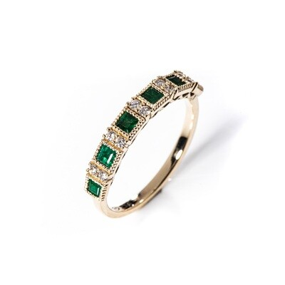 Carree Emerald Ring