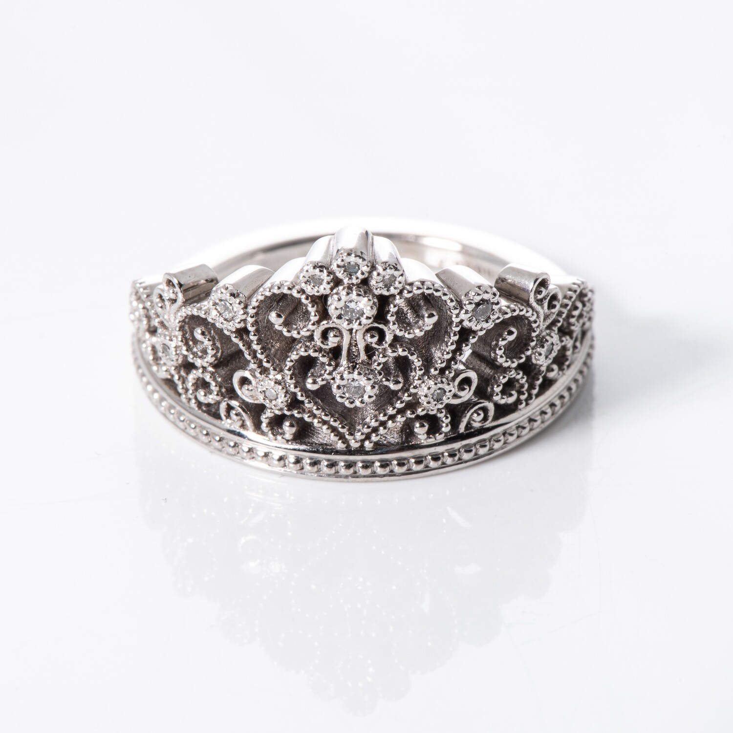 18K White Gold Tiara Ring