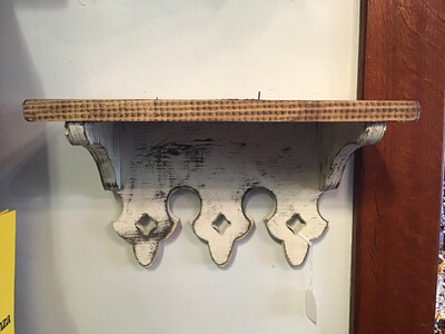 Small Scalloped Shelf (Born In A Barn)