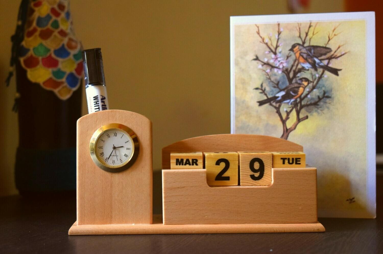 Block Calendar With Clock