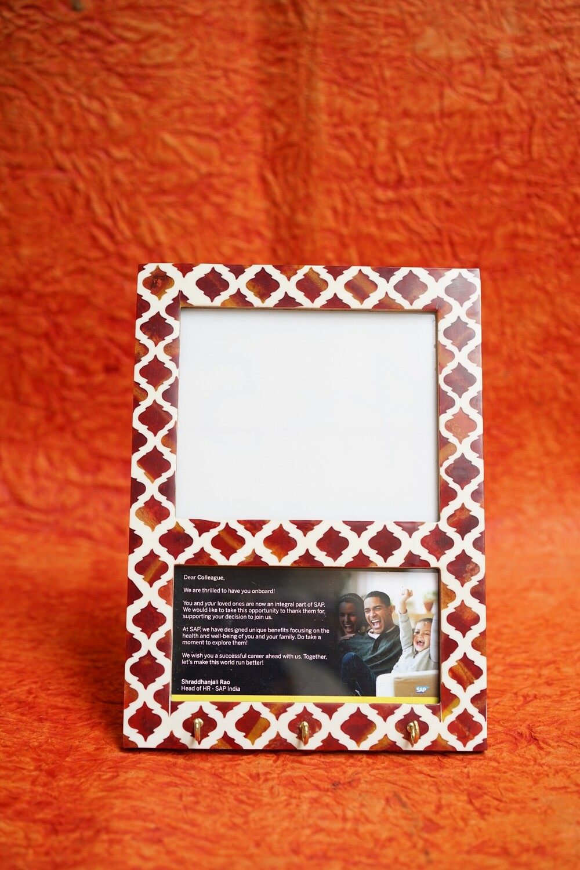 Resin Photo Frame With  Key Holder