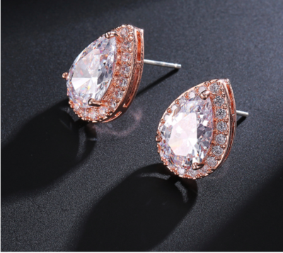 AAA Clear Cubic Zirconia Pear Shaped Earring