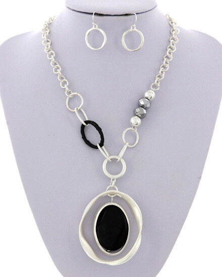 Matt Silver Bead Accent Black Stone Necklace Set