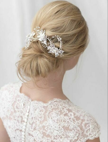 Spectacular Silver Crystal Floral Vine Hair Clip