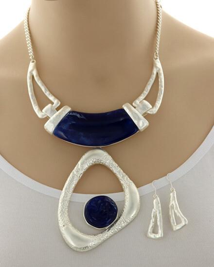 Unique Open Metal Necklace Set