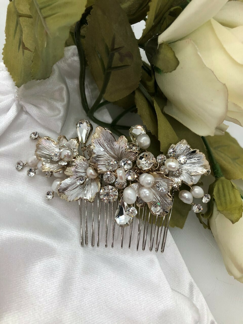 Brushed Leaf Freshwater Pearl Crystal Hair Comb