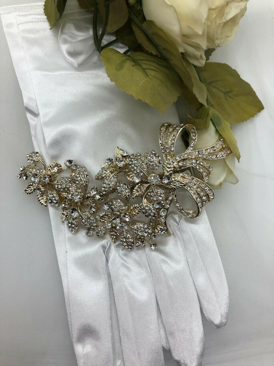 Gold Leaf Crystal Bow Detail Hair Clip