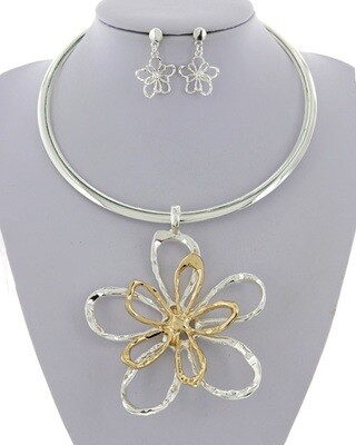 Flower Metal Pendant Necklace & Earring Set