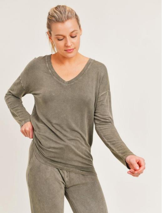 Mineral -Washed V-Neck Slouch Pullover