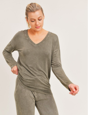 Mineral -Washed V-Neck Slouch Pullover