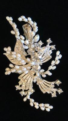 Stunning Swarovski/Freshwater Pearl Hair Clip