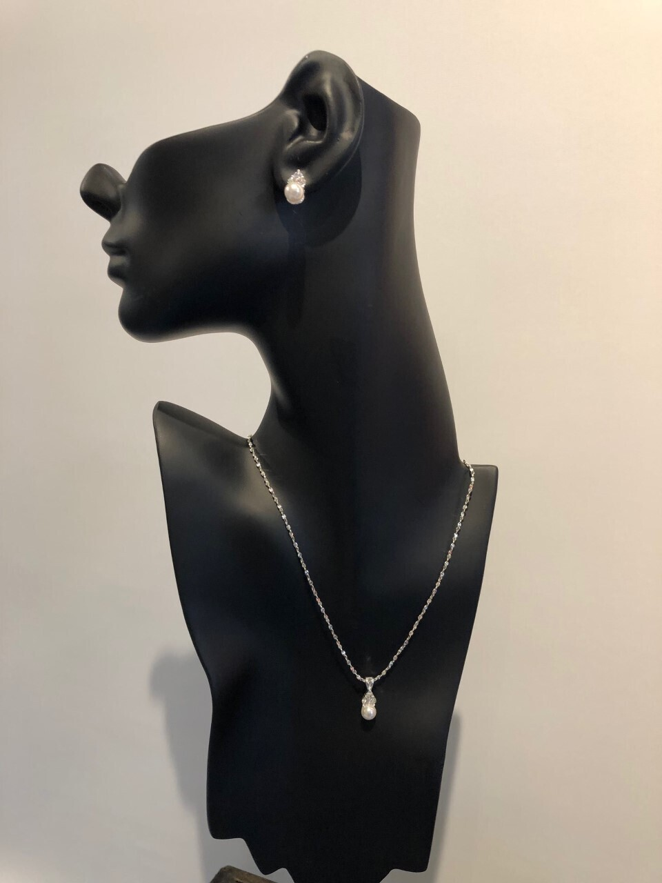 Delicate Cubic Zirconia/Pearl Necklace Set