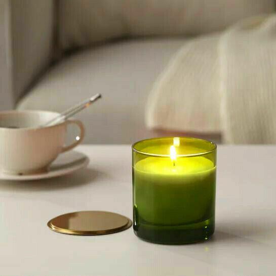 Njutning Scented Candle
