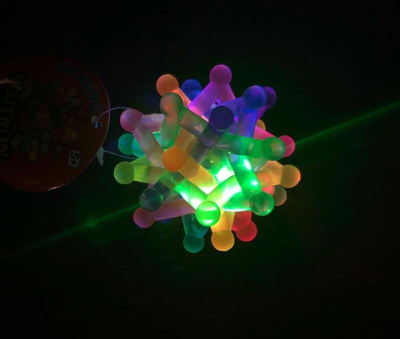 Flashing Neutron Ball - Toysmith