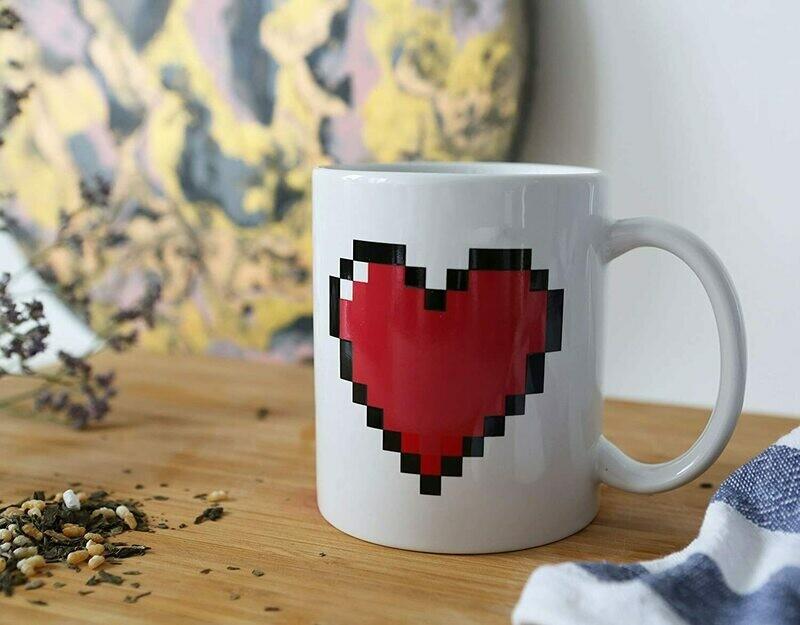 Pixel Heart Morph Mug - kikkerland