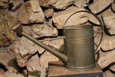 Gießkanne bronze