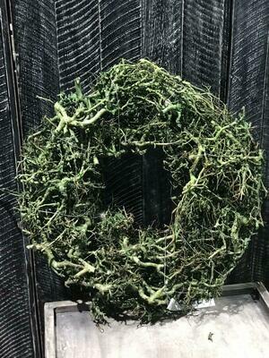 Kranz aus Wurzelstücken mit Drahtunterlage Grün