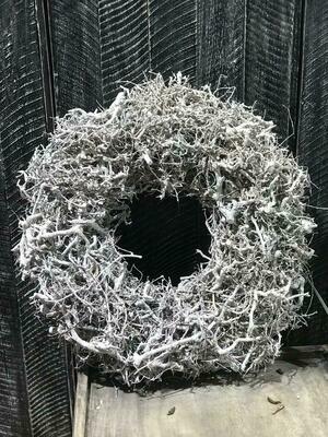 Kranz aus Wurzelstücken mit Drahtunterlage Weiß