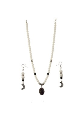 White Agate with Amethyst Necklace