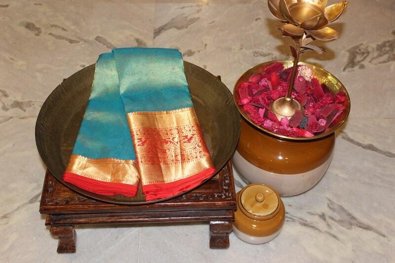 Teal Pure Kanjivaram Silk Saree With Big Border and Red Pallu
