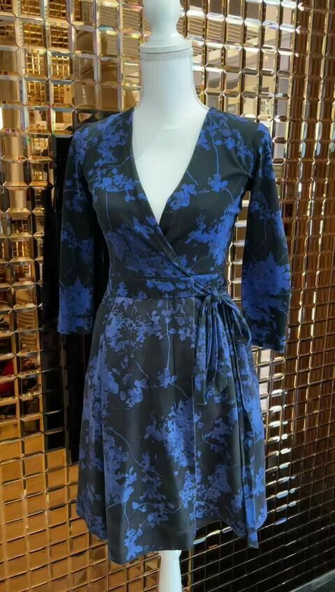 Diane Von Furstenberg, Black/Blue Floral Silk/Wool Blend Wrap Tie Dress, Size 0