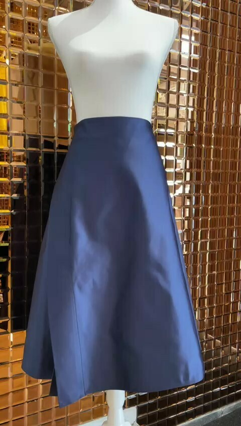 Scanlan Theodore, Blue Asymmetrical Slit Front Midi Full Skirt, Size 10