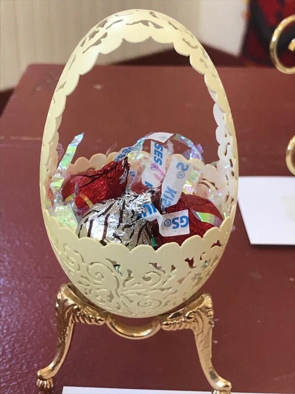 Goose Egg Basket by Gladys Peltomaki
