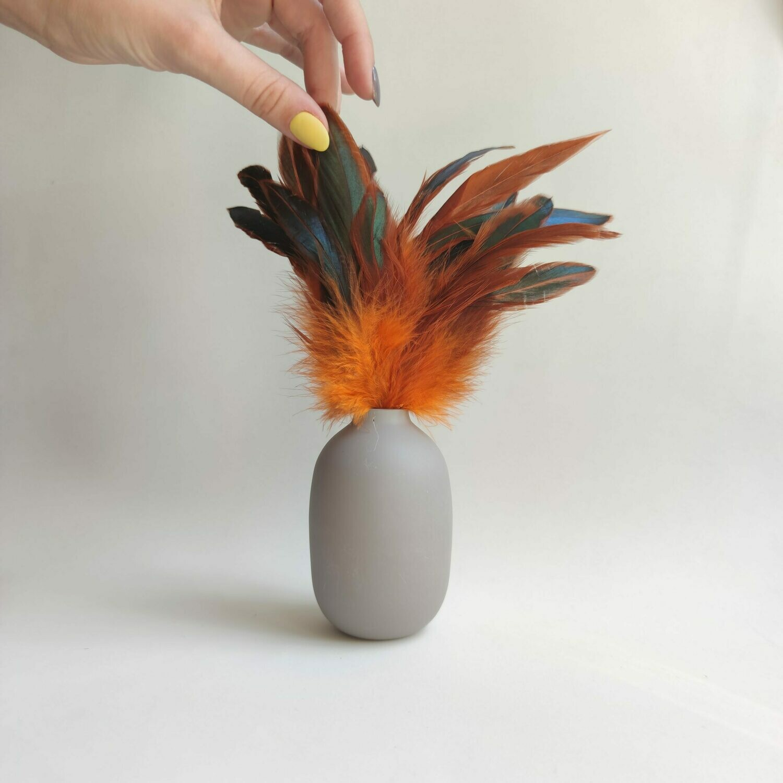 Перья петуха оранжевые двухцветные 15 - 20 см. 20 шт.
