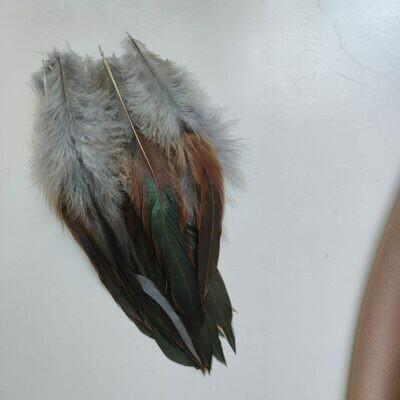 Перья петуха серые двухцветные 10 - 15 см. 20 шт.