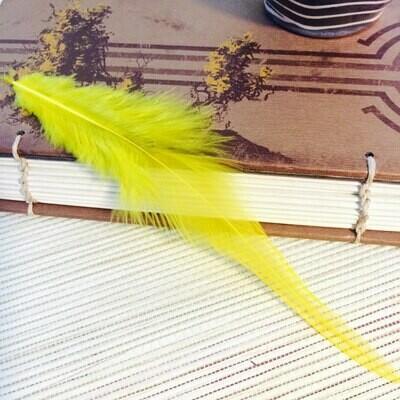 Перья петуха желтые 5 - 10 см. 20 шт.