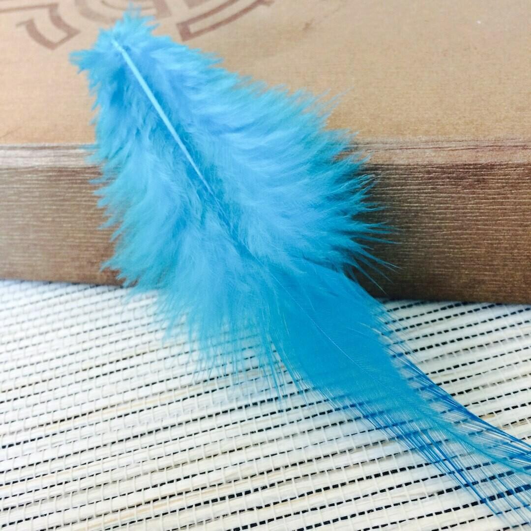 Перья петуха голубые 5 - 10 см. 20 шт.