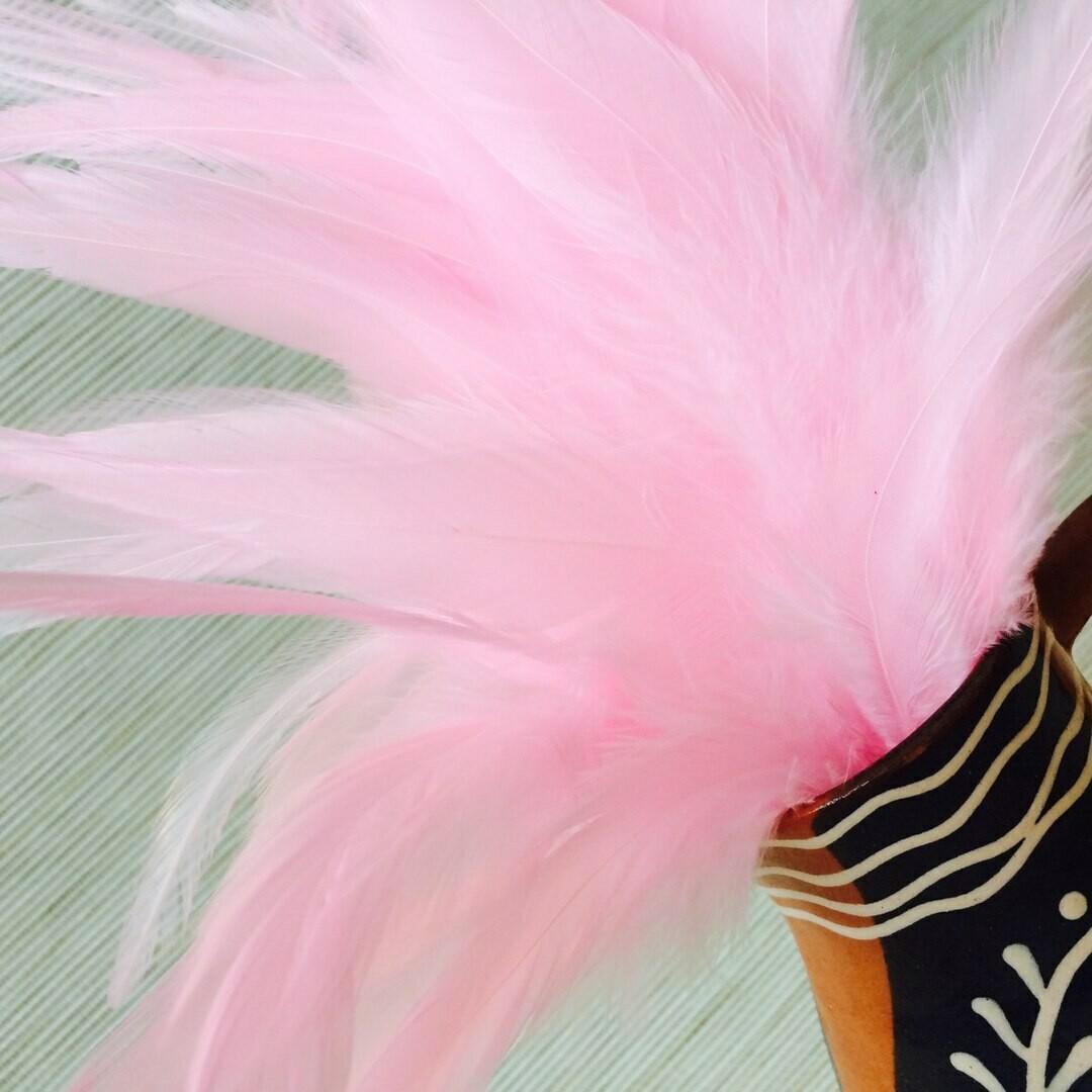 Перья петуха розовые 10 - 15 см. 20 шт.