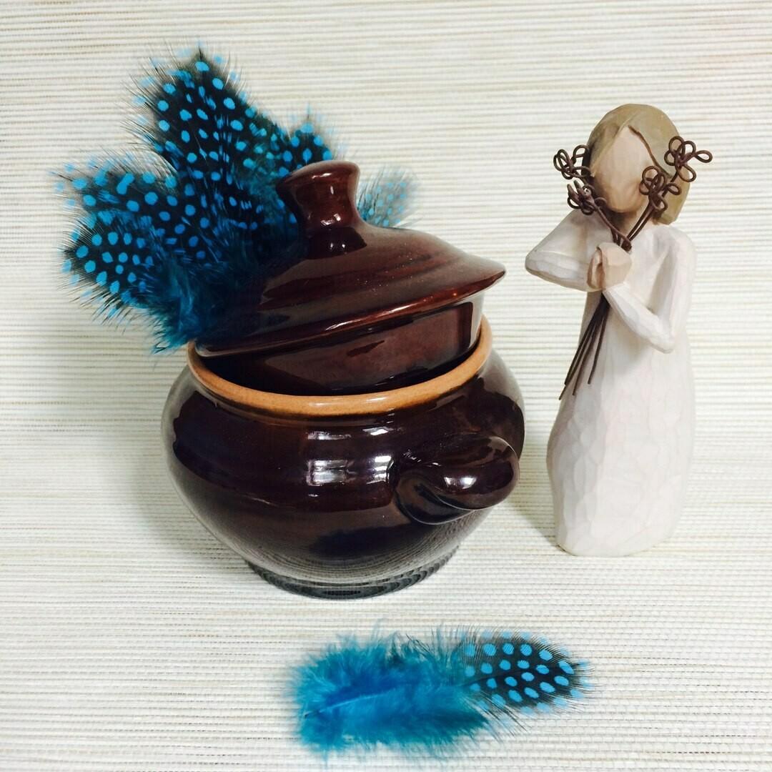 Перья цесарки голубые 15 шт.