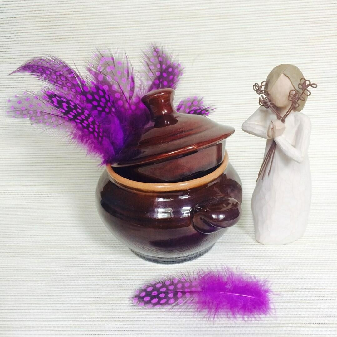 Перья цесарки фиолетовые 15 шт.