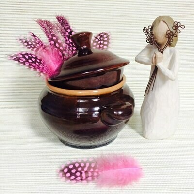 Перья цесарки розовые 15 шт.