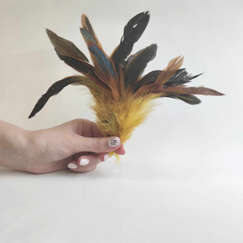 Перья петуха желтые двухцветные 2 сорт 20 шт.