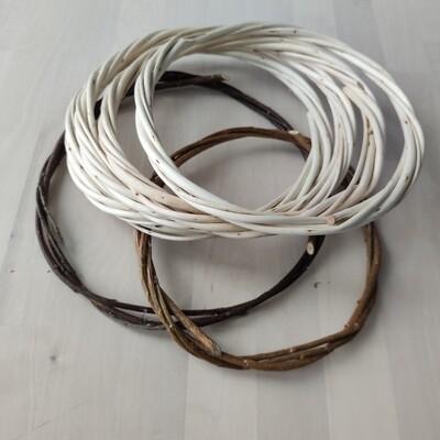 Основа для ловца снов плетеная из лозы 21 см.