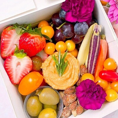 Vegan Cupcakes and Crudités Mini Box