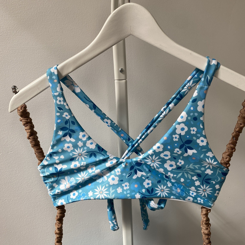 Maverick Top (SIZE M) Blue Floral + White