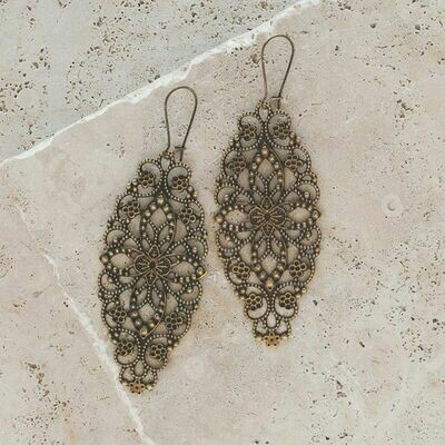 Plunder Antique Gold Earring