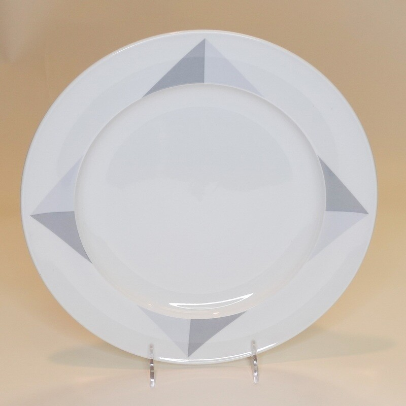 Large Diamonds Plate 12