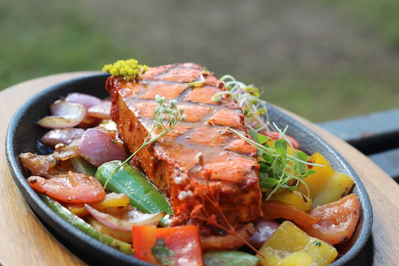 Machli Wala   Grill Halibut steak (20.99)