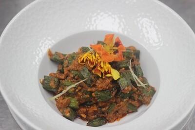 Mazaidar bhindi   Okra masala  Okra   tomato   onion   mix spice   fresh herb