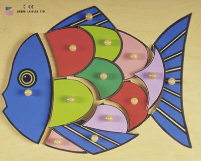 פזל כפתור עץ דג