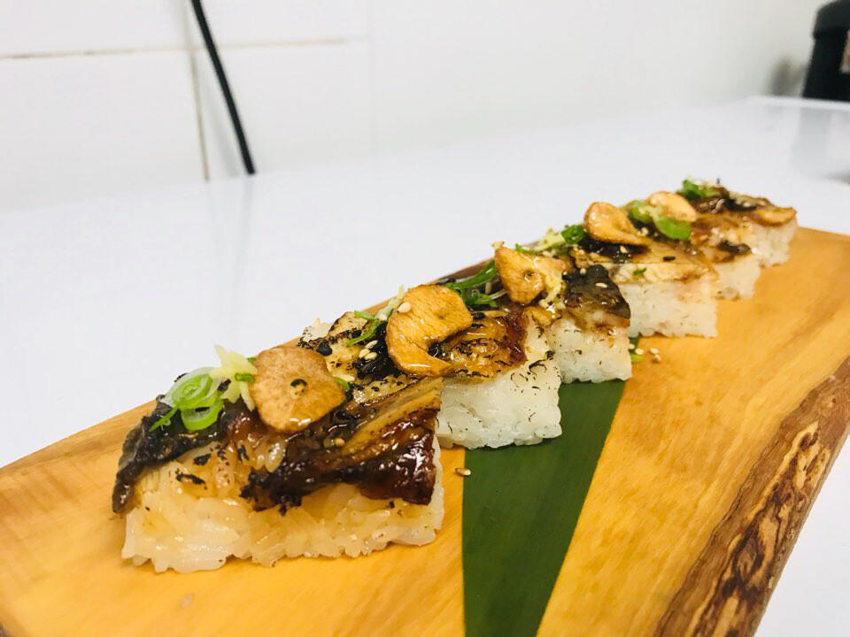 Garlic Unagi Oshi Sushi