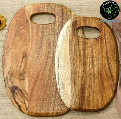 Round Oakwood Chopping Board with Handle