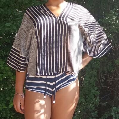 Тайская блузка в чёрно-белую полоску