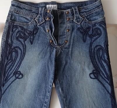 Женские джинсы M-O-T-O с аппликацией