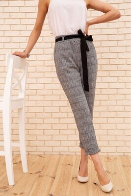 Women's cropped trousers in a check color Gray